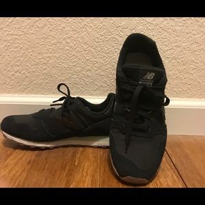 New Balance 373 sneakers. Black. Size 8.5.